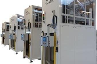 Große kundenspezifische VacuTEC Plasma-Anlagen machen einen deutlichen Unterschied